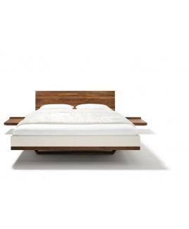 TEAM 7 RILETTO bed met leren bedzijden en houten hoofdbord